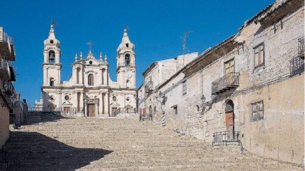 Scalinata Chiesa Madre - La scalinata della chiesa Madre di Palma di Montechiaro