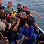 Record di sbarchi a Lampedusa: 19 in poche ore, 3 barchini bloccati all'Isola dei Conigli